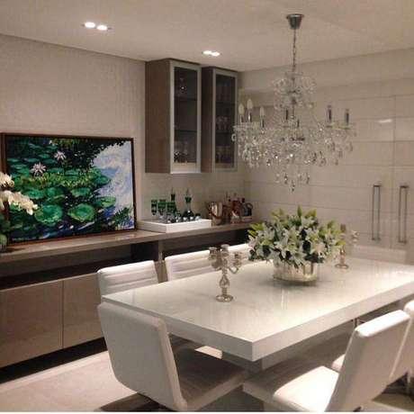 9. A mesa de mármore pode ser polida. Foto: Instagram