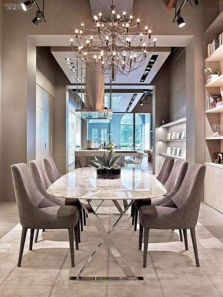 5. A escolha das cadeiras para mesa de mármore é muito importante. Foto: Pinterest