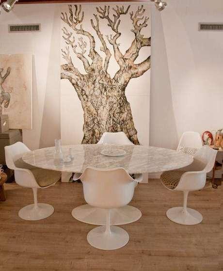 10. É preciso ter em mente que a mesa de mármore sempre chamam a atenção. Foto: Casa e Construção