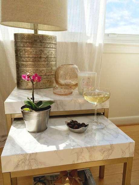 35. É interessante combinar modelos de mesa de mármore. Foto: Casa Pensada