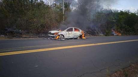Incêndio no Onix Plus numa estrada no Maranhão: problema no software.