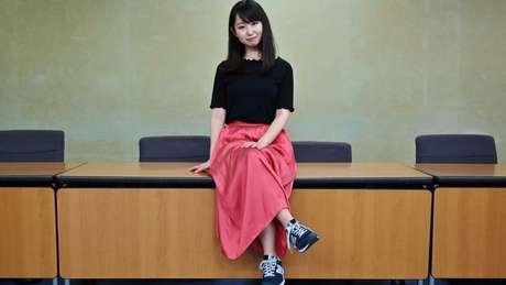 Em junho, a atriz e escritora Yumi Ishikawa apresentou ao governo japonês uma petição contra códigos de vestimenta