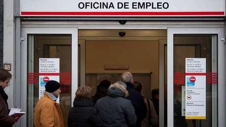 A taxa de desemprego na Espanha é um dos problemas estruturais que persistem no país.