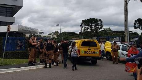 Reforço da segurança diante da PF em Curitiba, ante a possibilidade de soltura de Lula