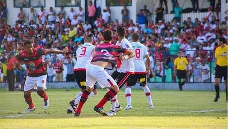 Com a grave crise financeira do Flamengo, clássico com o River perdeu a força