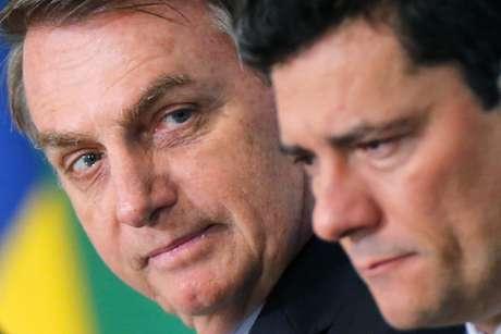 Presidente Jair Bolsonaro ao lado do ministro da Justiça, Sergio Moro  REUTERS/Adriano Machado