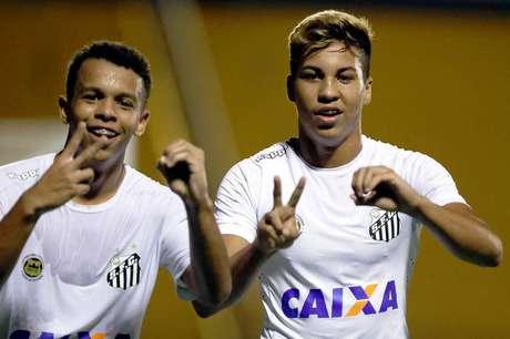 Sandry e Kaio Jorge podem disputar outra Copinha pelo Santos (Pedro Azevedo/SFC)