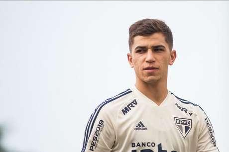 Vitor Bueno jogou as dez partidas do São Paulo com Diniz (Foto: Maurício Rummens/Fotoarena/Lancepress!)