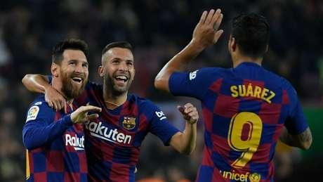 Barcelona lidera o Campeonato Espanhol, mas vem de resultados ruins na temporada (AFP)