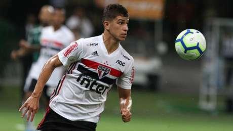 Vitor Bueno jogou todas com Diniz, mas é dúvida para domingo - FOTO: Rubens Chiri/saopaulofc.net