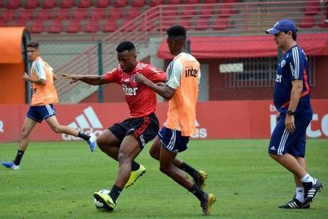 Luan durante jogo-treino do profissional contra o sub-19 nesta sexta - FOTO: Divulgação/São Paulo FC