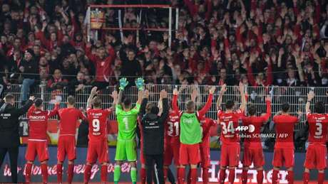 Clubes da antiga Alemanha Oriental não vivem boa fase (Foto: Tobias Schwarz / AFP)