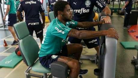 Luiz Adriano fez trabalho de carga na perna direita e não foi a campo nesta sexta (Agência Palmeiras/Divulgação)