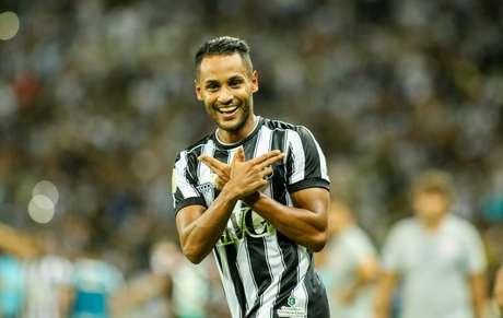 Ceará vence o Inter em casa.