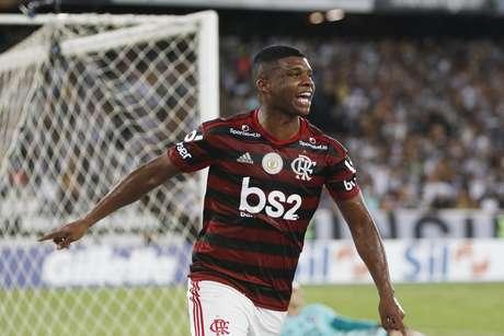 Fla bate o Botafogo com gol no fim.