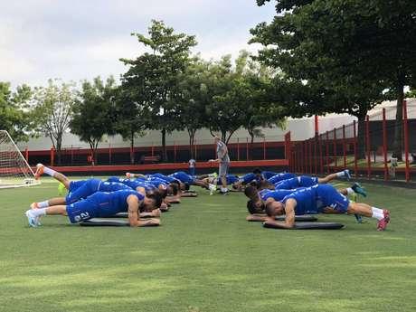 Santos treinou no CT do Atlético-GO nesta sexta-feira (Reprodução/Twitter SFC)