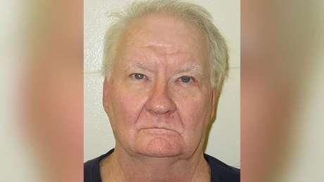 Benjamin Schreiber, de 66 anos, argumentou que concluiu tecnicamente sua pena quando seu coração parou de bater quatro anos atrás, ainda que tenha sido revivido pelos médicos