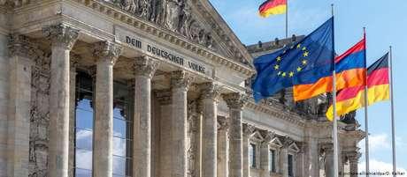 """""""Que país a Alemanha quer ser?"""", indaga editora-chefe Ines Pohl"""