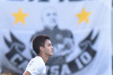 Aguilar perde espaço no Santos (Foto: Ivan Storti/Santos)
