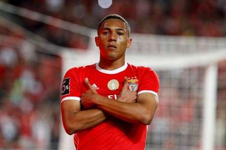 Brasileiro Carlos Vinícius marcou o gol de empate do Benfica (Foto: Divulgação/Benfica)