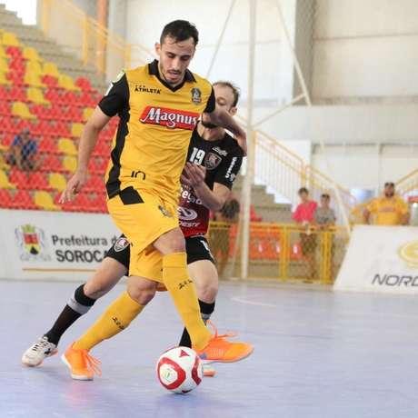 Magnus garantiu a classificação com a vitória em casa (Foto: Guilherme Mansueto/Divulgação)