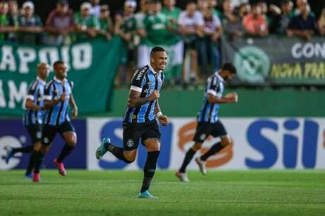 Luciano fez o gol da vitória do Grêmio logo aos dois minutos (Foto: Lucas Uebel/Grêmio)