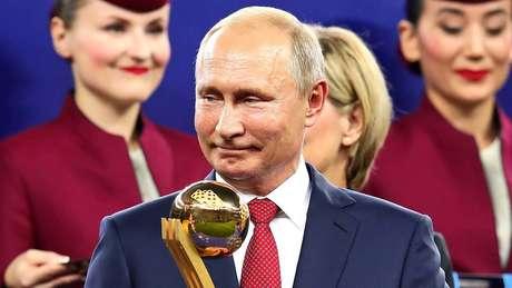 Líder russo Vladimir Putin deve chegar a Brasília nesta terça-feira (12)