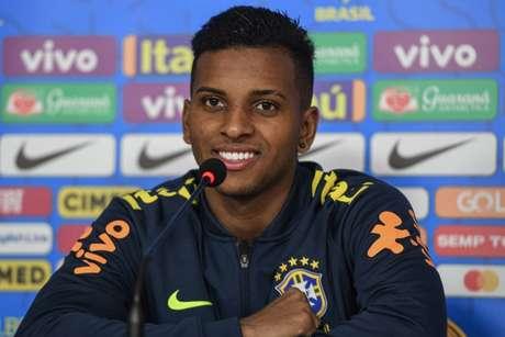 Rodrygo vive a expectativa de estrear pela Seleção Brasileira principal (Foto: Lucas Figueiredo/CBF)