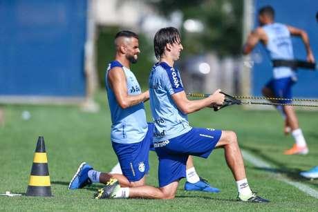 Maicon, Cortez e Geromel não enfrentaram a Chapecoense (Foto: Lucas Uebel/Grêmio)
