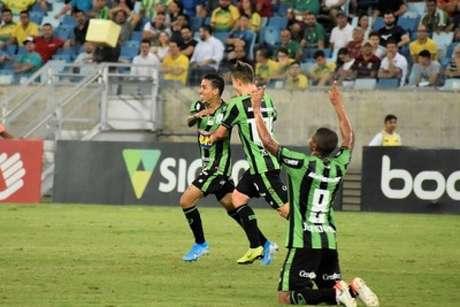 O Coelho teve uma atuação firme fora de casa e vai para dois jogos em casa nas  três últimas rodadas da Série B, aumentando suas chances de acesso à Série A de 2020- (Mourão Panda/América-MG)