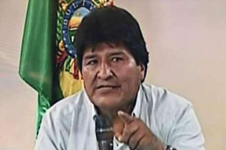 Evo Morales anunciou renúncia em pronunciamento em rede nacional no domingo — vice também deixou o cargo