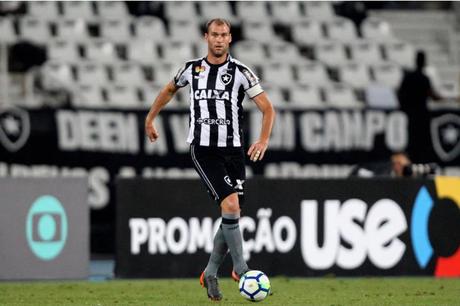 Carli é um dos principais nomes do Fogão (Foto: Vitor Silva/SSPress/Botafogo