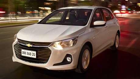 O novo Onix hatch é 23,3 cm mais comprido em relação à geração antiga.
