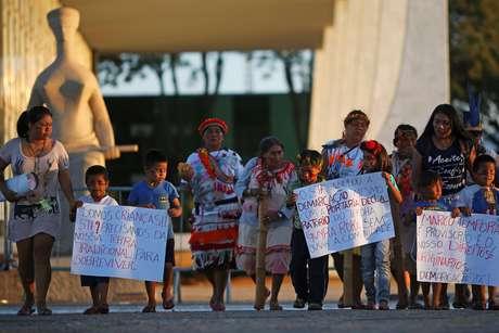 Protesto dos indígenas Guarani Kaiowá em frente ao Supremo Tribunal Federal, em Brasília  26/06/2019 REUTERS/Adriano Machado