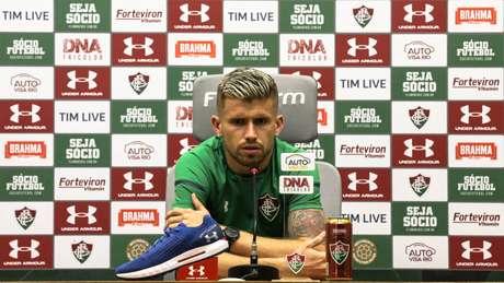 Santos não deve tentar o retorno de Caio Henrique (Foto: Lucas Merçon/FFC)