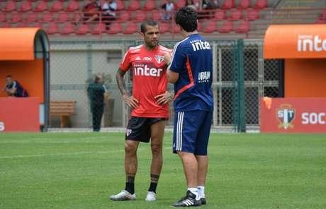 Daniel Alves pode ser uma opção para a vaga de Antony no ataque do Tricolor (Foto: Felipe Espíndola/saopaulofc.net)