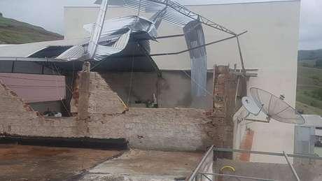 Vendaval causou destruição em Alegre, no Espírito Santo