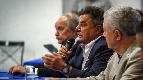 """Perrella levou um """"papo reto"""" com os jogadores celestes na Toca da Raposa-(Vinnicius Silva/Cruzeiro)"""
