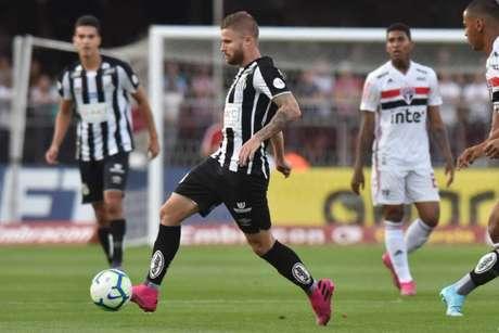 Duelo do 1º turno terminou com vitória do São Paulo, por 3 a 2, no Morumbi (Divulgação/Santos)
