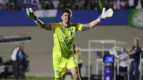 Tadeu tem sido um dos destaques do Goiás (Heber Gomes/CBF)