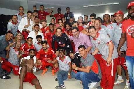 Jogadores do CRB comemoram vitória contra a Ponte Preta