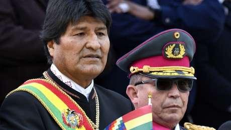 Evo Morales renunciou quando perdeu o apoio do alto comando militar na Bolívia