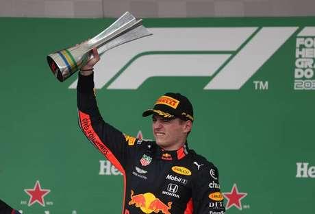 Verstappen celebra vitória no GP do Brasil