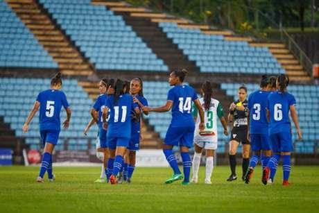 -As meninas da Raposa estão a um passo da final do Estadual de Minas Gerais(Vinncius Silva/Cruzeiro)