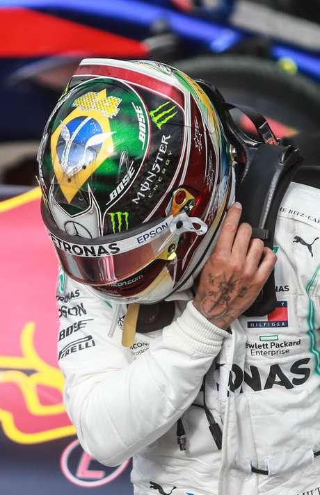 Senna foi homenageado pelo campeão Lewis Hamilton