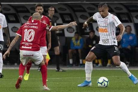 Urso tem mostrado lado polivalente nas últimas partidas (Foto: Daniel Augusto Jr/Corinthians)