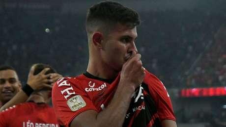Bruno Guimarães é a maior joia do elenco do Athletico-PR (Foto: Miguel Locatelli/Athletico)