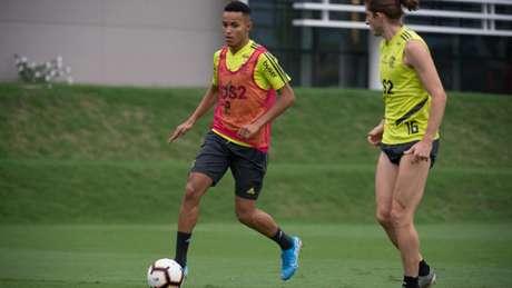 Lázaro participou do treino do Flamengo nesta terça, no Ninho do Urubu (Foto: Alexandre Vidal / Flamengo)