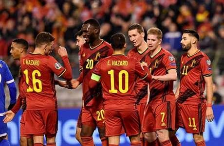 Belgas venceram mais uma nas Eliminatórias da Eurocopa (Foto: AFP)