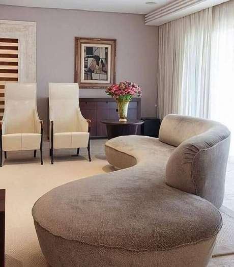 12. O sofá sem braço pode ser usado em vários estilos de decoração – Foto: Denise Barreto